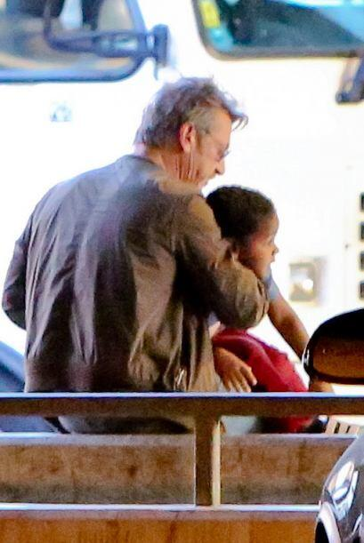 Se puso muy paternal con el nene.