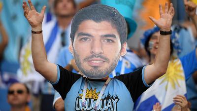 Hinchas uruguayos gritaron, sufrieron y celebraron la victoria 'celeste' contra Arabia Saudita