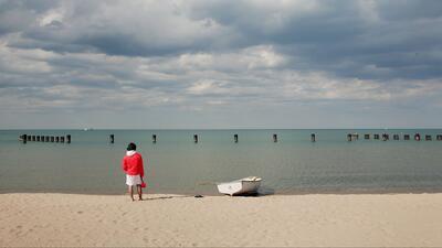 Emiten alerta de fuerte oleaje y corrientes peligrosas para este lunes en el Lago Michigan