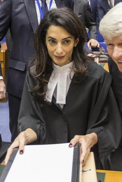 Amal ahora tiene que lidiar con la atención de la prensa del corazón.