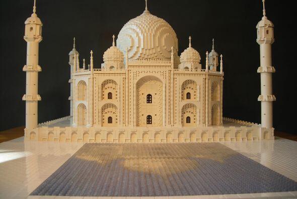 Ha modelado réplicas de construcciones tan complejas como el Taj Mahal,...