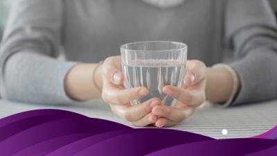 Cómo limpiar la energía de tu casa con un simple vaso de agua
