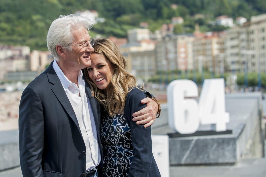Junto a Alejandra Silva posando para la prensa en el Festival de Cine de...