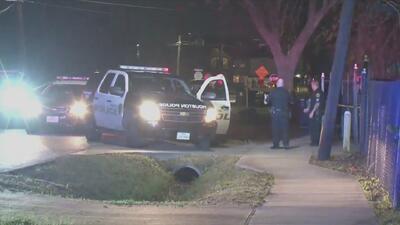 Buscan al sospechoso de disparar mortalmente en la cabeza a un hombre en Houston