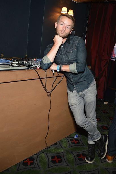En realidad, ahora se dedica a su otro trabajo: ser DJ.