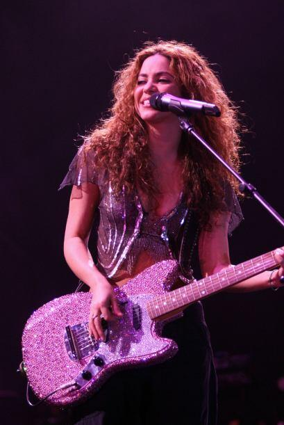 Si no fuera cantante, ella quisiera ser psicóloga o astrónoma.