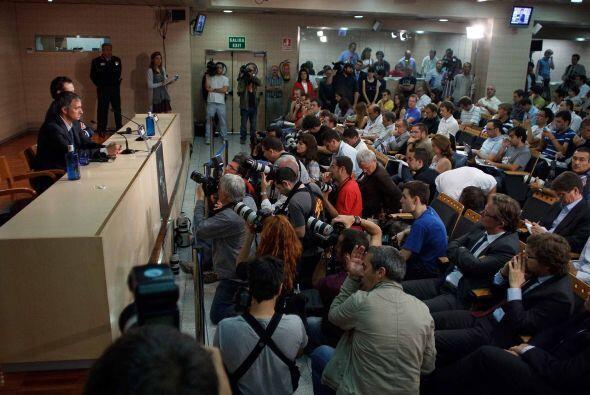 La presentación de 'Mou' se llevó a cabo en la sala de prensa, que estab...