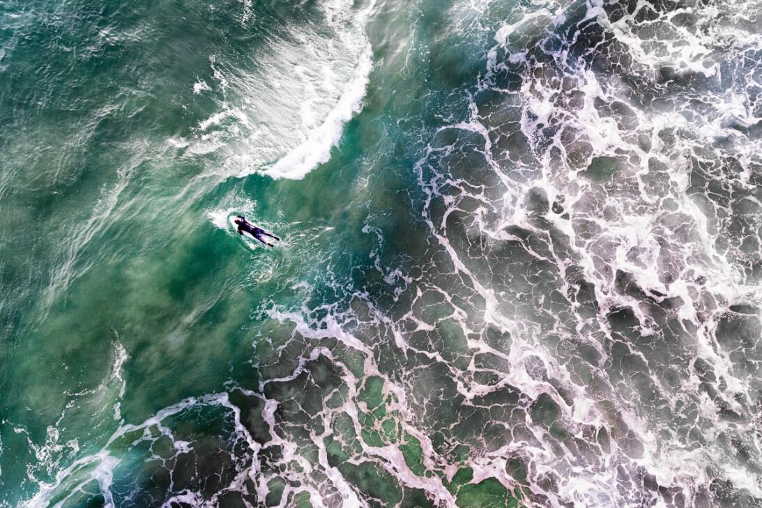 Las 23 mejores fotos tomadas con drones este 2017  Portuguese surfer By...