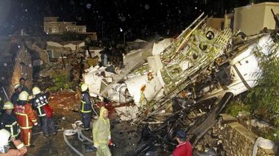 Confirman 47 víctimas mortales en accidente de avión en Taiwán