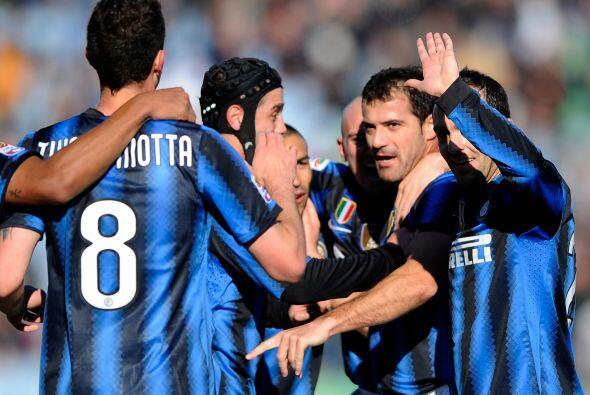 Y todo empezaba bien para los 'nerazzurri' con el gol de Dejan Stankovic.