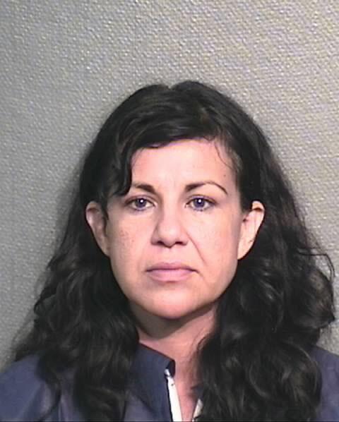 Esta mujer de 44 años está presa luego de que atacara a taconazos a su n...