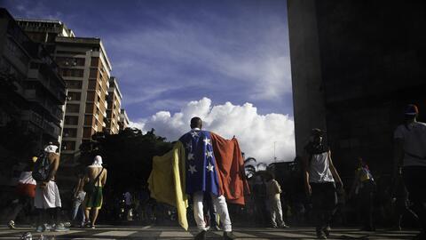 La obra de Martinez analiza la crisis moral venezolana.