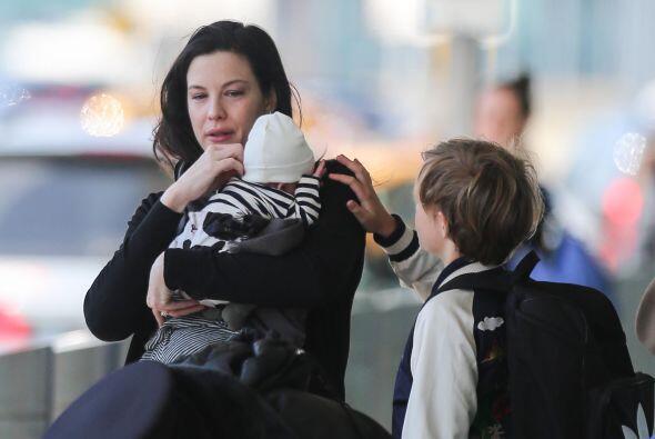 La actriz dio a luz a su segundo hijo hace tan sólo dos meses y ya se fu...