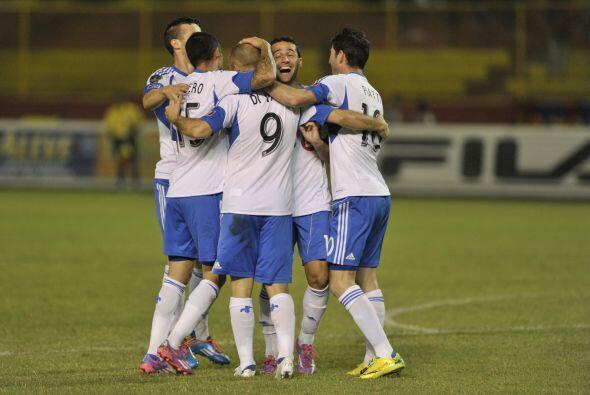 En el duelo de vuelta en el Estadio Cuscatlán, el Impact venció 3-2 al F...
