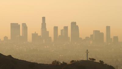 Uno de los orígenes de la polución ambiental en Los Ángeles es la depend...