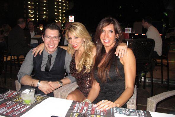 Nuestros presentadores de Tardes Calientes Jose y Roxy disfrutaron en co...