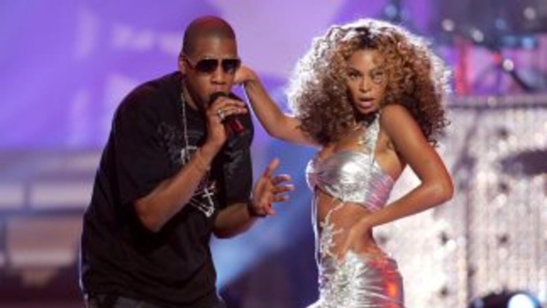 La revista US Weekly publicó que la cantante se encuentra en el primer t...