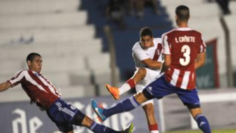 Alexander Succar anota el gol de Perú.