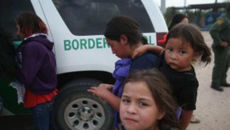 Un total de 68,541 menores solos fueron detenidos en EEUU entre octubre...