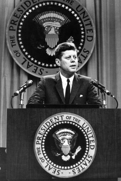 Durante la presidencia de Kennedy, se pusieron en marcha importantes pro...