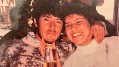 Los dreamers compartieron cartas y fotos de sus padres celebrando en el...