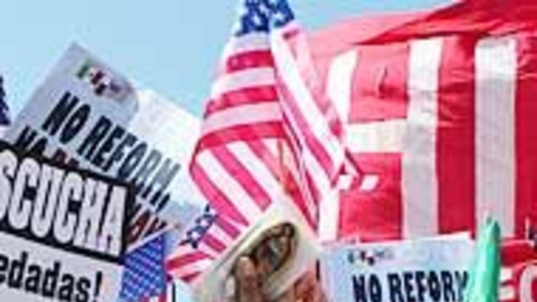 Cientos de miles de inmigrantes marcharon por la reforma migratoria en E...