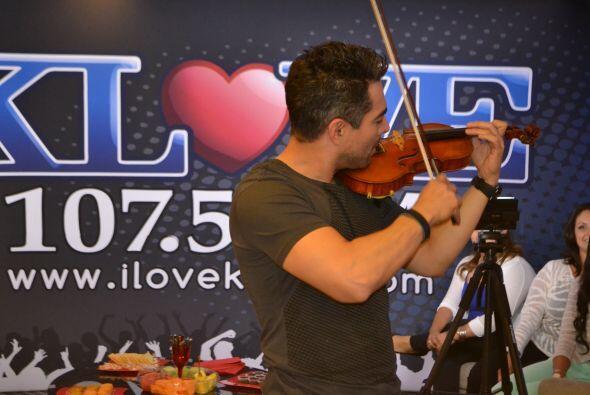 Omar hasta nos resulto violinista.