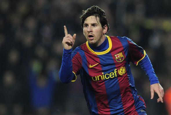 El 'dedito' de Messi apunta a la tribuna cuando convierte un gol.