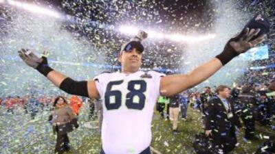 Breno Giacomini fue campeón con los Seahawks (AP-NFL).
