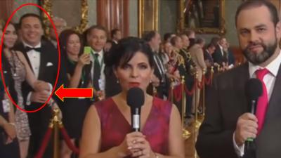 El momento en el  que Cristian Castro tira del  brazo a su acompañante p...
