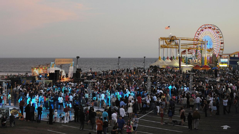 Comienzan los conciertos gratuitos en el muelle de Santa Mónica