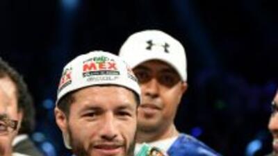 Jhonny González el actual campeón pluma del CMB.