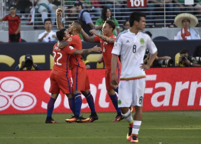 Osorio completó 18 partidos dirigiendo a México con saldo a favor GettyI...