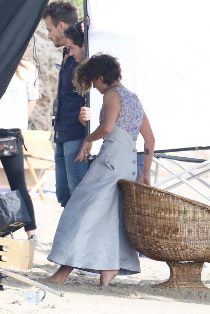 Eso sí, la actriz disfrutó mucho anda descalza y sentir la suavidad de l...