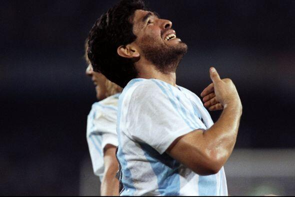 Diego Armando Maradona. Considerado como uno de los mejores jugadores en...