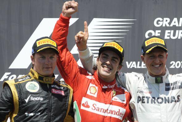 El finlandés Kimi Raikkonen completó la terna de ganadores al quedar en...