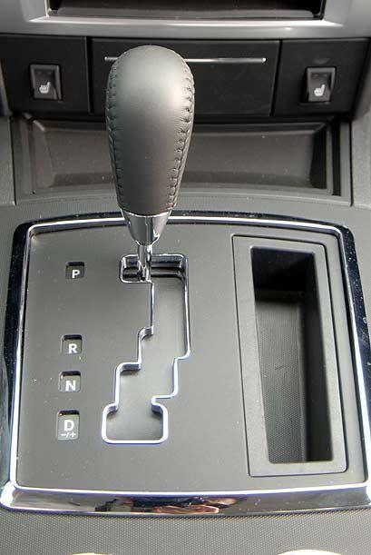 La transmisión automática de seis velocidades se acopla perfectamente al...