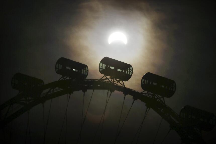 Eclipse total de sol 8 de marzo
