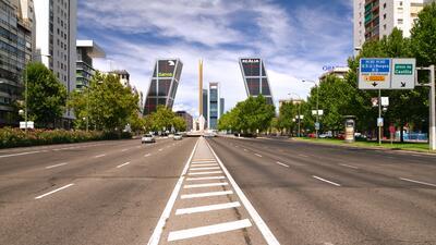 El Paseo de la Castellana es la arteria principal del centro de Madrid....