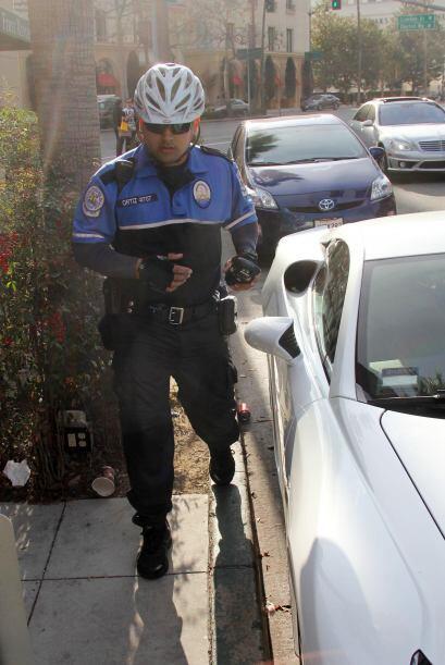 Un policía que transitaba la zona se dio cuenta. Mira aquí lo último en...