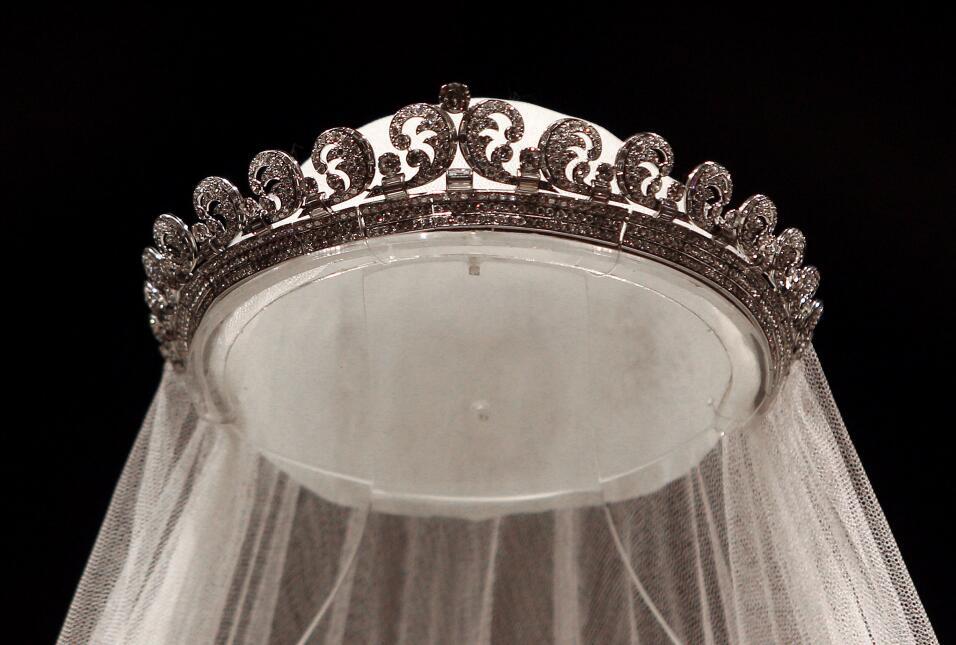 La increíble tiara fue expuesta en el 2011 durante la exhibici&oa...