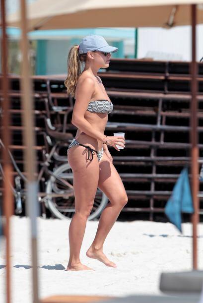 La comentarista de deportes encendió las playas de Miami con su envidiab...