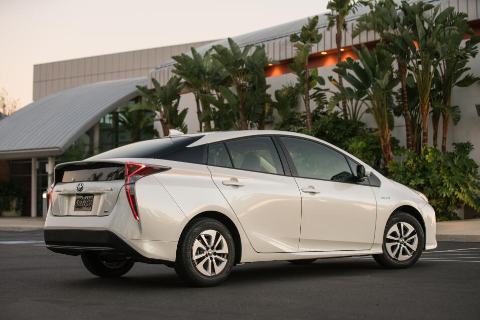 Toyota Prius Eco 2016