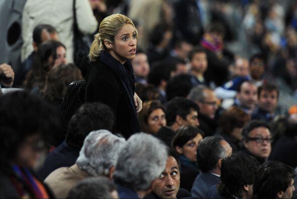 Un momento de angustia en el juego y Shakira sufría como una fanática más.