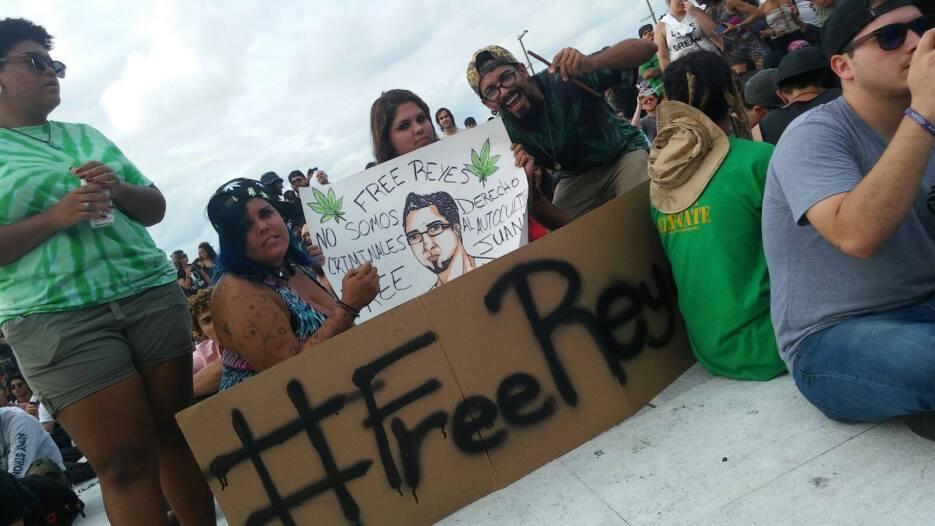El miércoles, el grupo de la fundación Free Juana marchó, acompañado de...