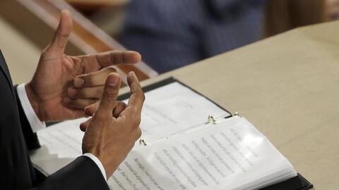 El presidente Barack Obama lee su discurso
