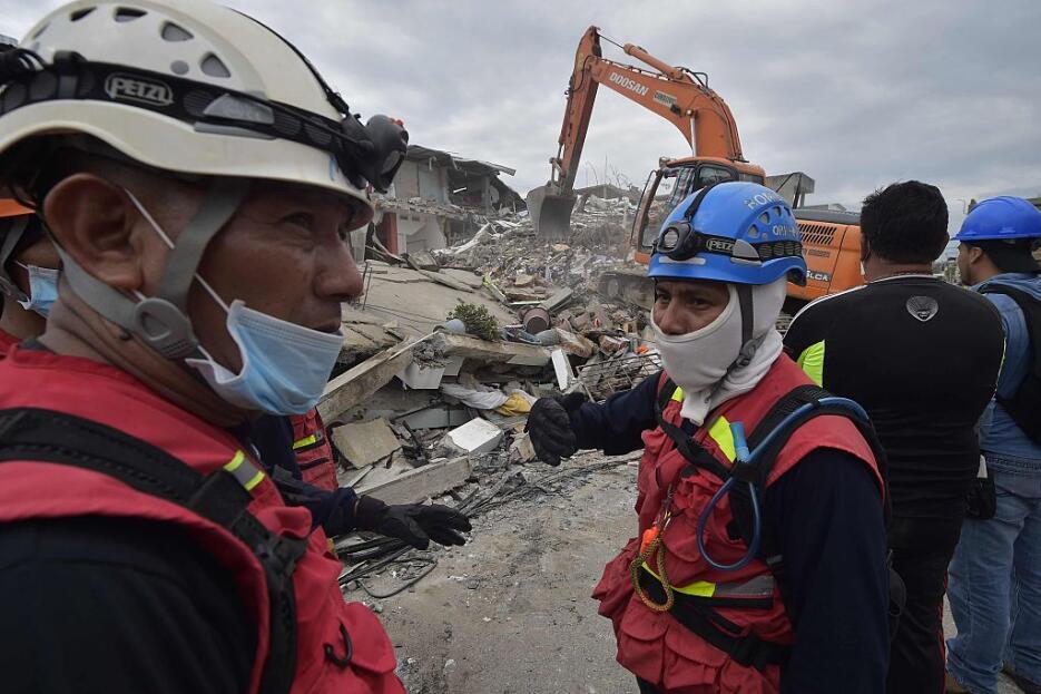 Las imágenes que nos deja el potente terremoto en Ecuador  ecuador8.jpg