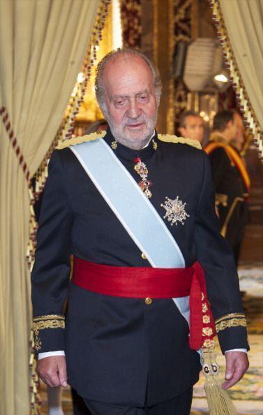 Juan Carlos recibe en 2011 nuevos embajadores en el Palacio Real.