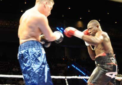 Edison 'La Pantera' Miranda regresó al 'ring' tras su derrota en el 2008...