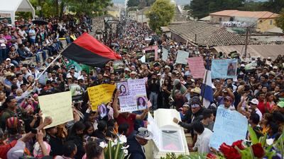 Miles asistieron al sepelio de la ambientalista Berta Cáceres